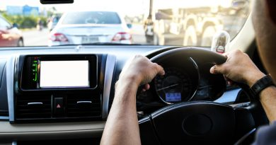 Apple and Google Speed Ahead in Safer Design of Vehicle Infotainment Technology